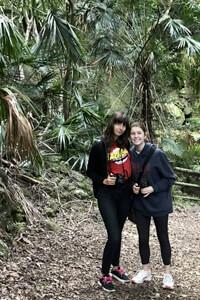 Il programma Bimestre offre molte opportunità di vivere la outdoor Australian life come il bush walking