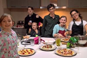 TecAustralia suggerisce agli iscritti di condividere la cultura e le tradizioni italiane con la nuova famiglia
