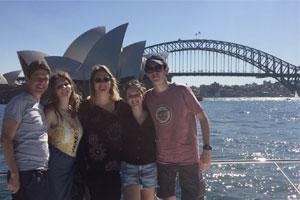I nostri studenti trascorrono tempo di qualità con la famiglia ospitante visitando Sydney