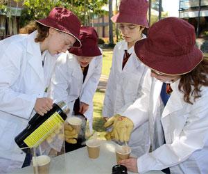 Gli studenti in Australia prendono parte a progetti di gruppo seguendo la didattica Stem offerta da tutte le nostre scuole private